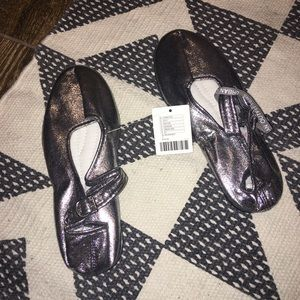 New Urban Outfitters Silver Metallic Flats